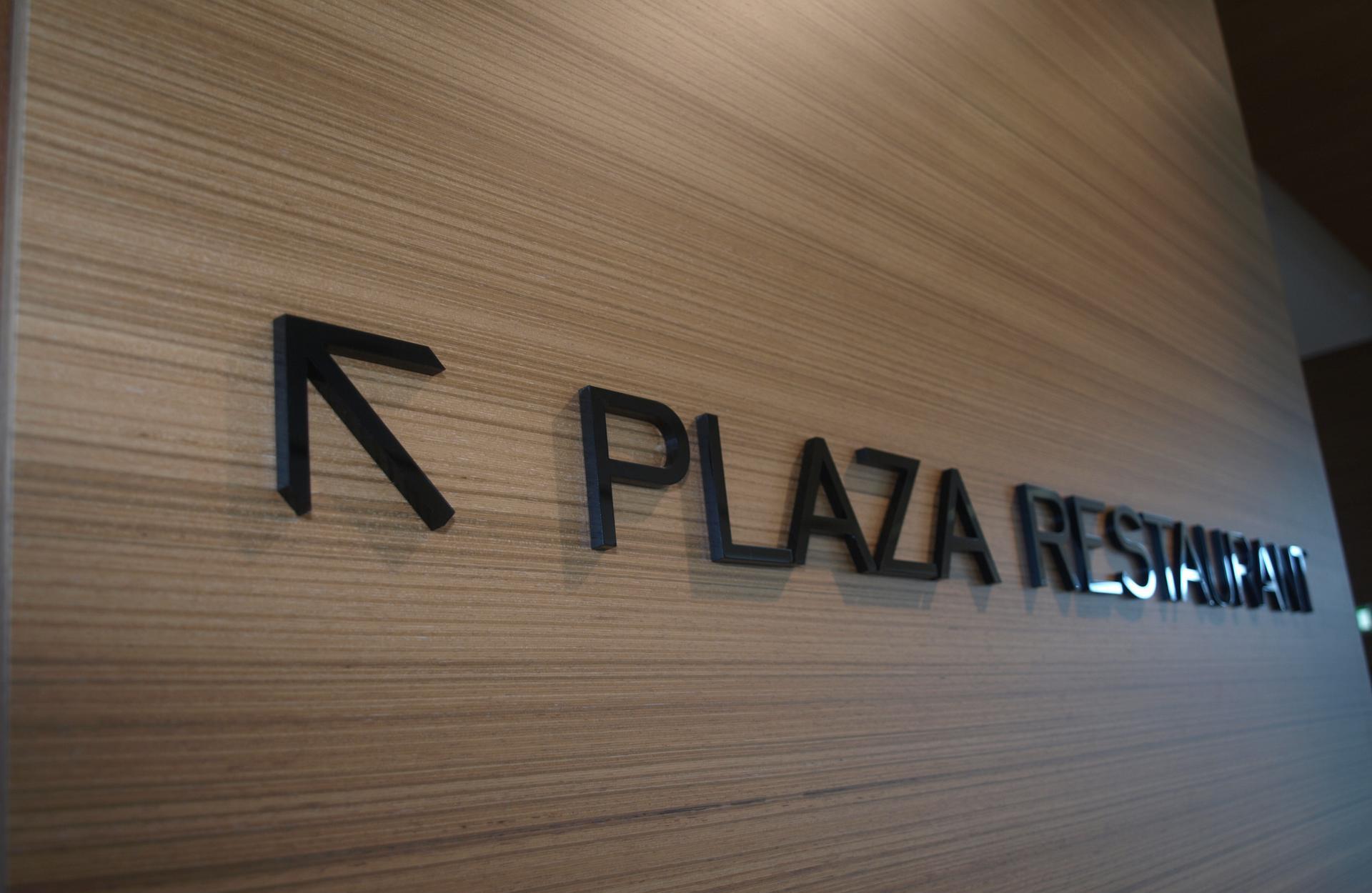3D letter signs