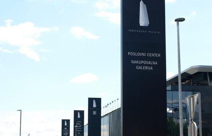 design-street-column-signage