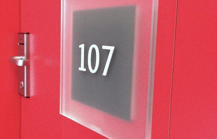 door-sign-107